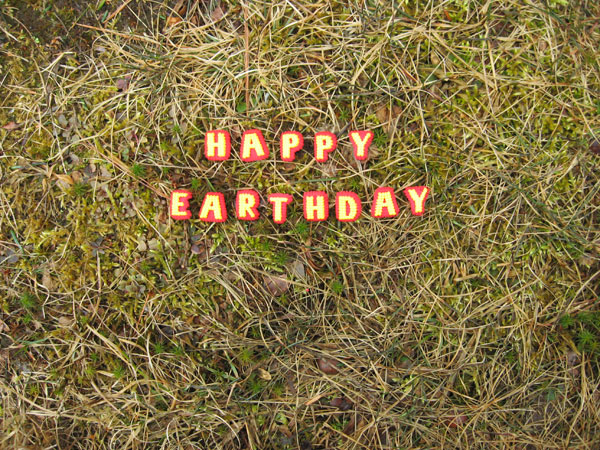 happy-earthday-600
