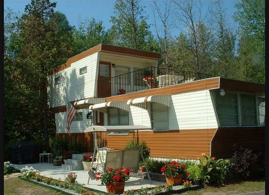 2-story-mobile-home-movie-set