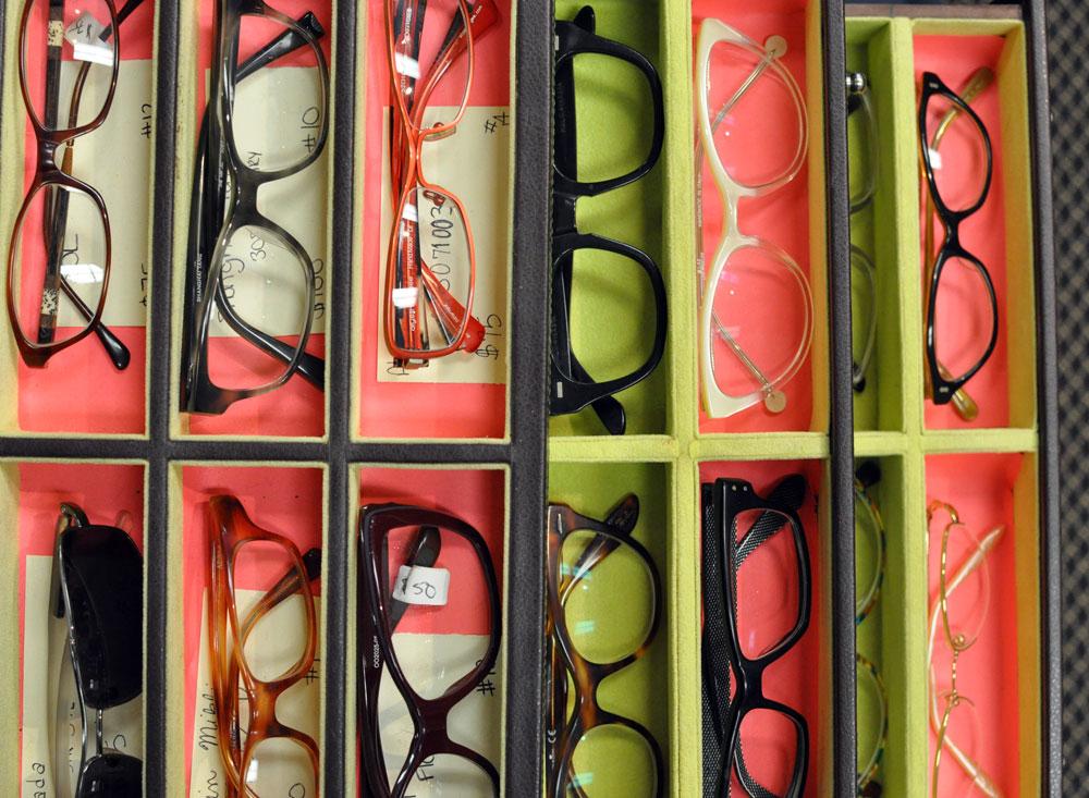 Eyeglass Frames On Consignment : Portsmouth r e c o v e r g i r l