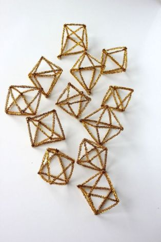 gold pipe cleaner ornaments
